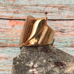 "Size 7 ""Cuff"" Gold Tone Costume Ring"